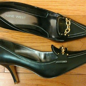 Nine West Dark Brown Heel Size 9.5M Gold Tone Bit